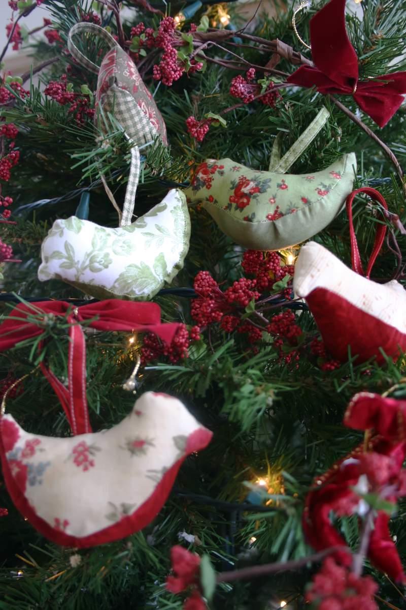 Christmas Tree Decorations Bird : Celebrate creativity