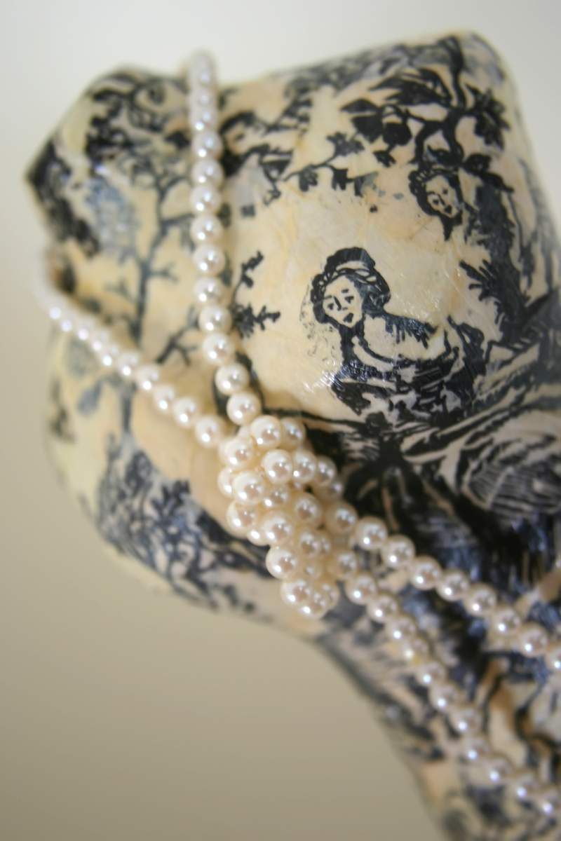 Blog_dressform_pearls3