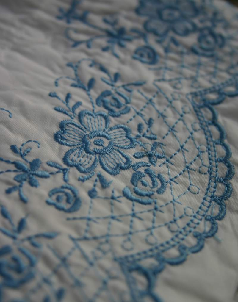 Blog_pillow_closeup_blue