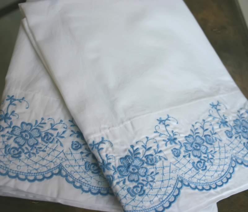 Blog_pillow_blue_duo