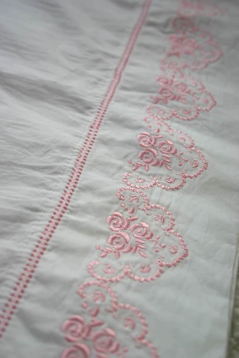 Blog_pillow_pink_full