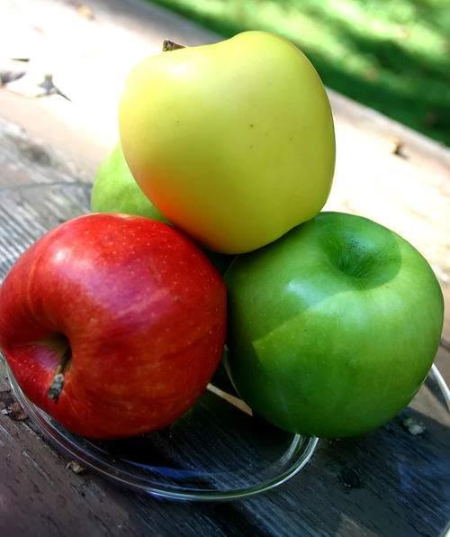 Blog pear apples