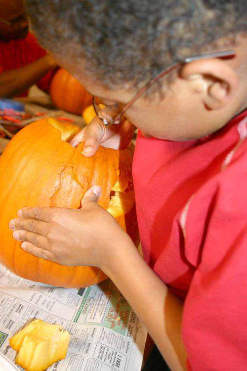 Blog fall fun carvers3