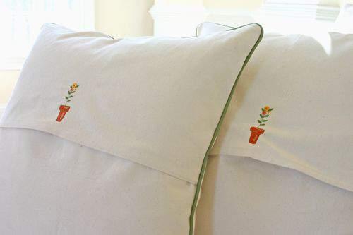Blog flower pillow duo3