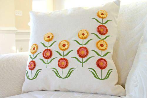 Blog flower pillow wide5