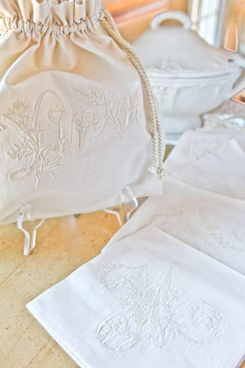Blog vintage linens close2