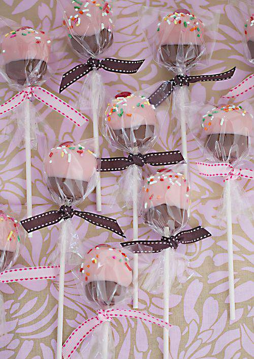 Cupcake cake pop wrapped