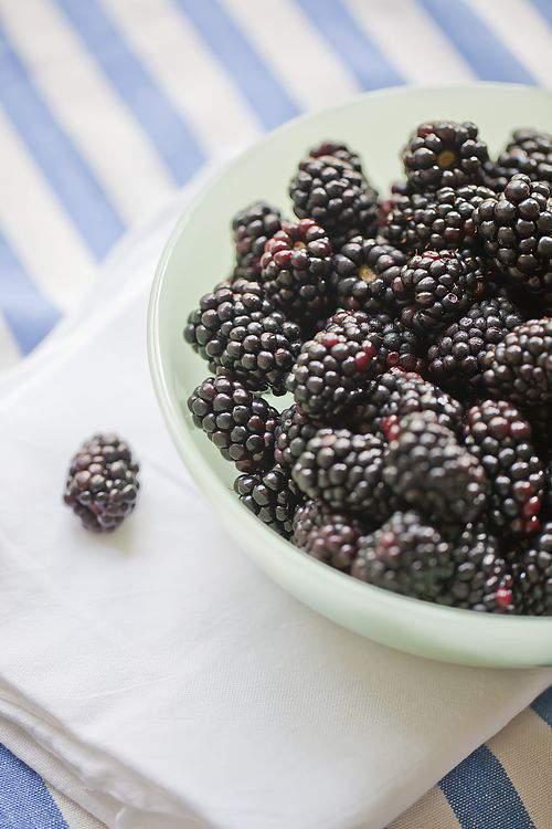 Blog blackberry cobbler blackberries