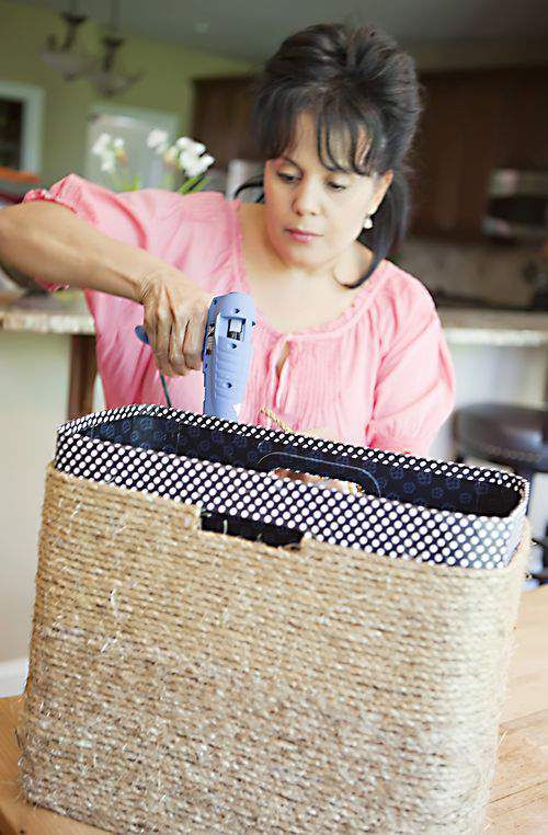Lisa basket making
