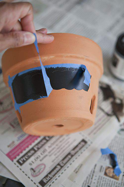 chalkboard pots and tape removal