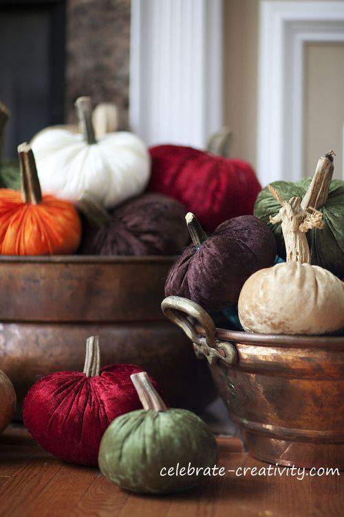Blog velvet pumpkins fireplace5