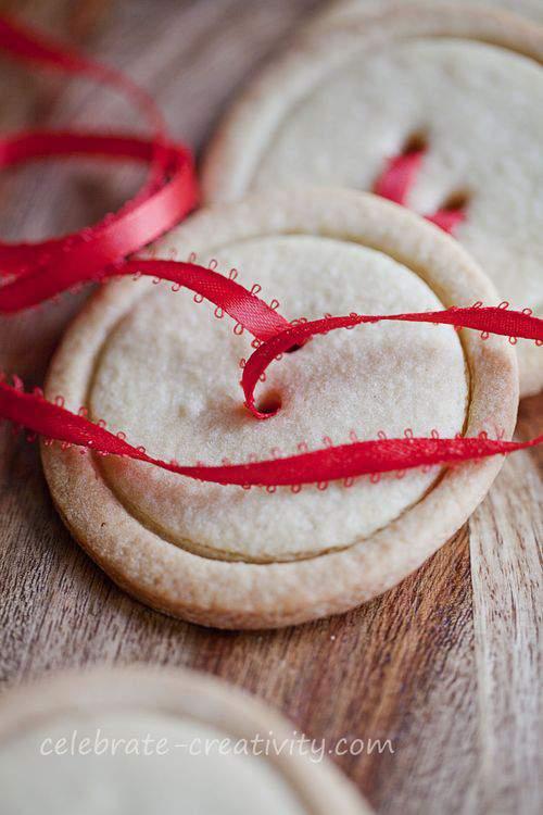 ribbon and sugar cookies