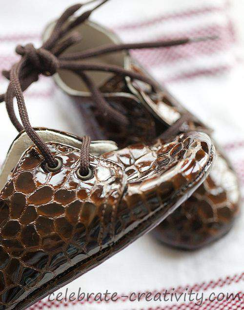 Blog tree ornaments shoes2
