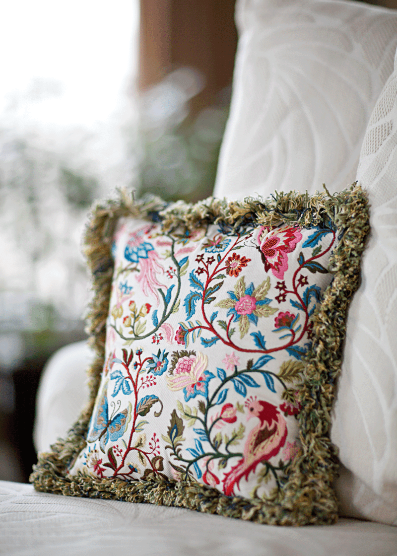Open jacobean pillow