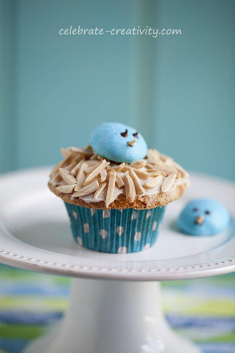 Bird nest cupcake stand