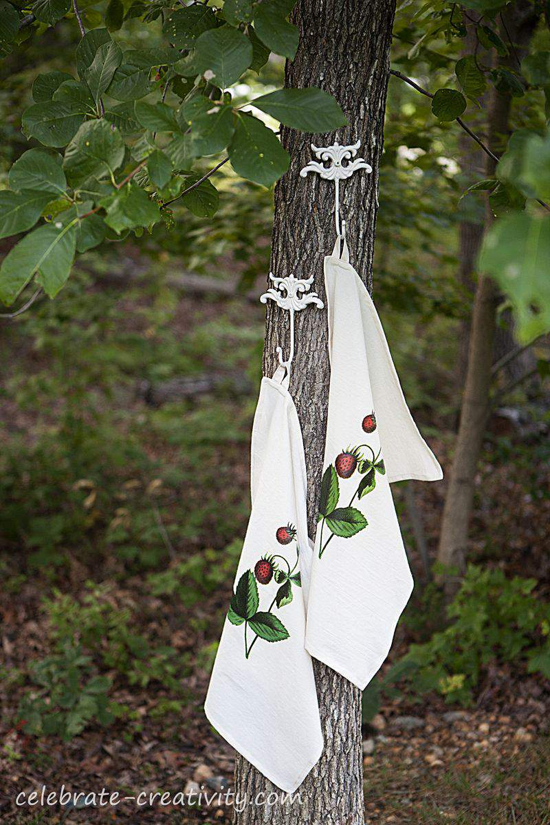 Strawberry dish towel tree3