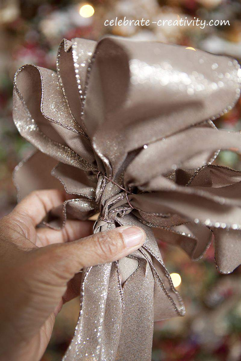 Pinecone wreath ribbon