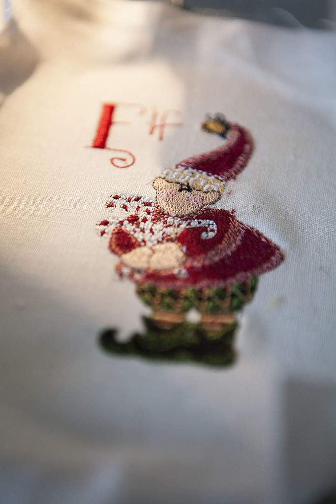 embroidered ornaments5
