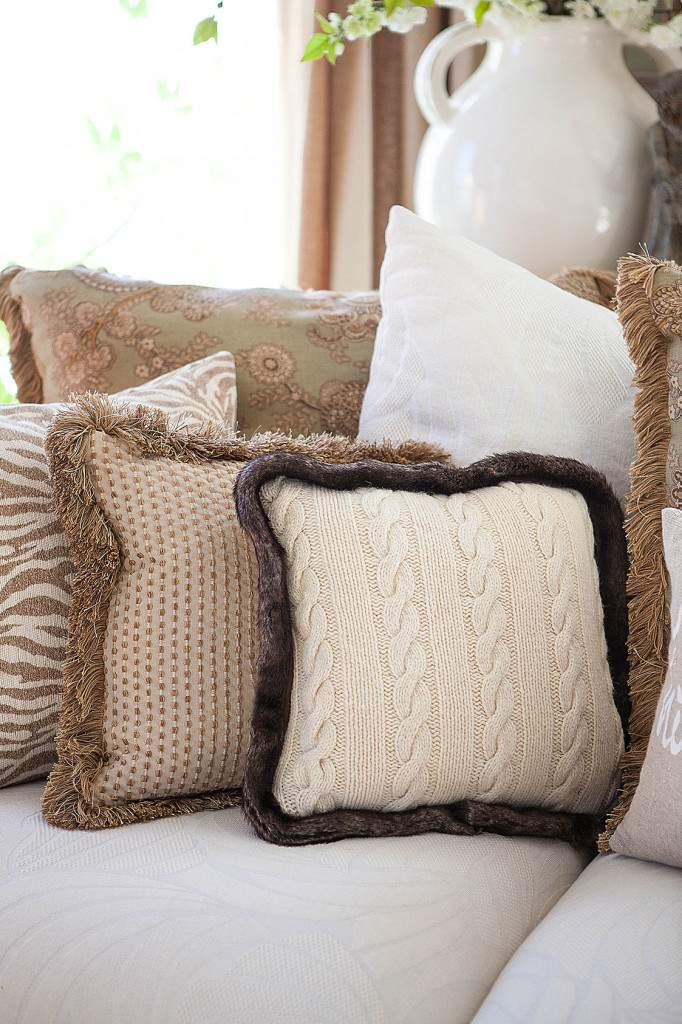 sweater pillow with trim