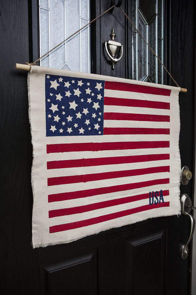 flag door hanger