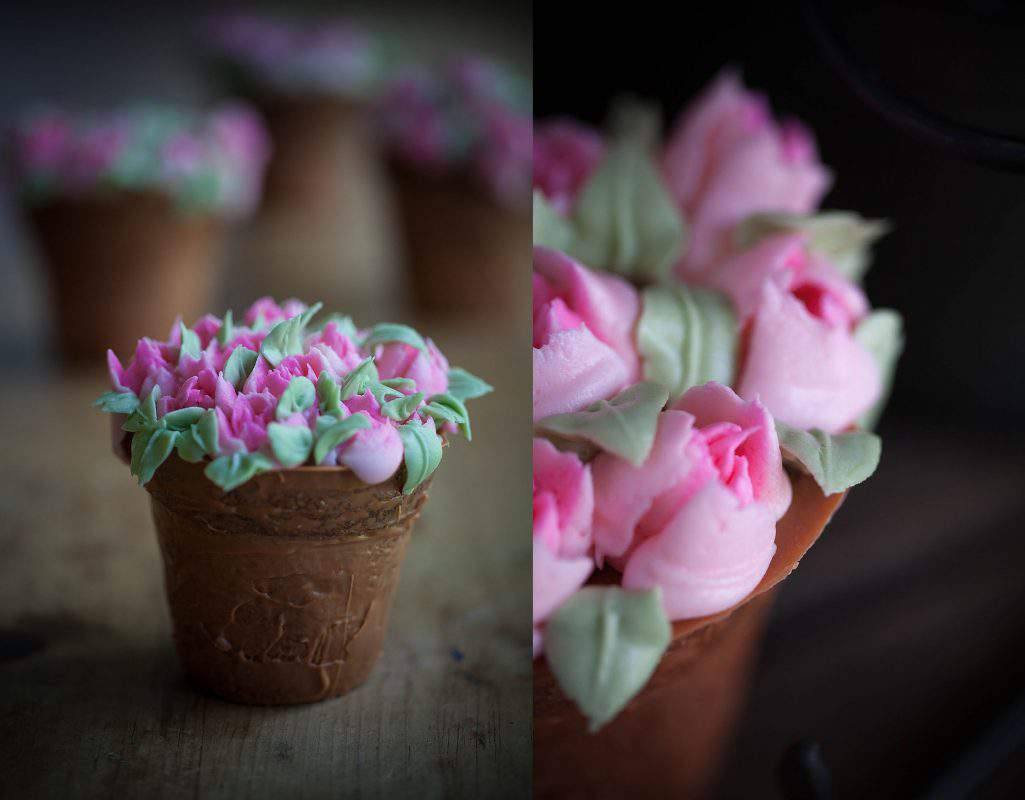 edible piped flowers