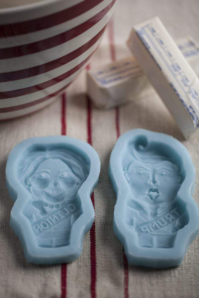 clinton trump cookie molds