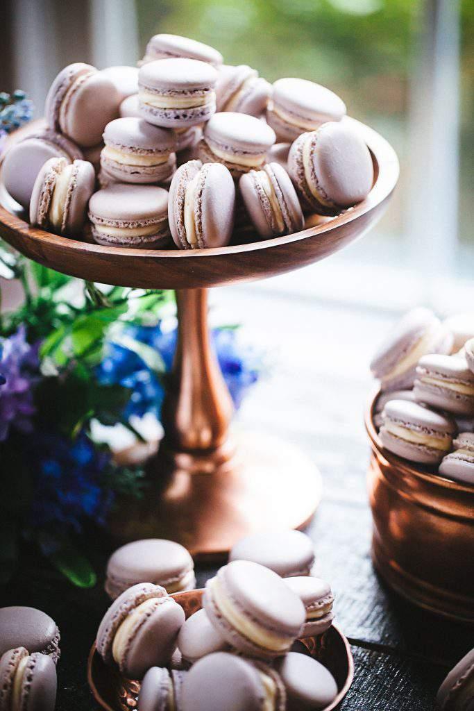 macarons stand